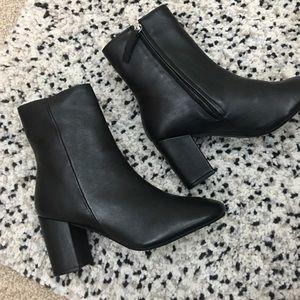 TOPSHOP ELISE Black Leather Ankle Boots